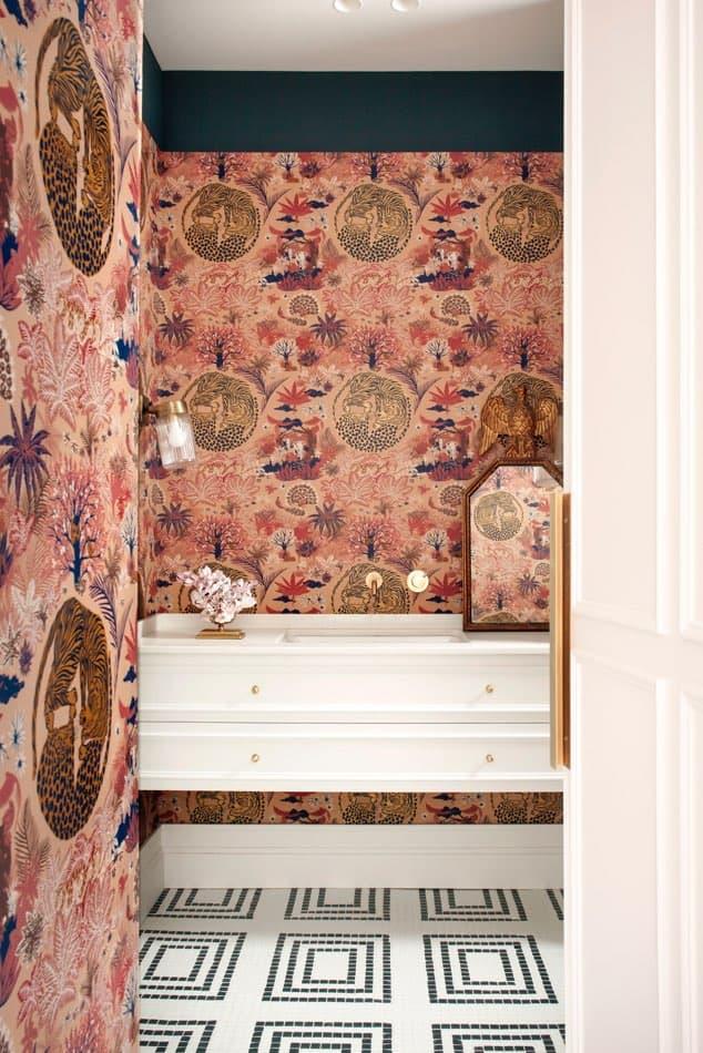 Estudio María Santos Reforma integral y decoración de vivienda minimalista Madrid cuarto de baño empapelado