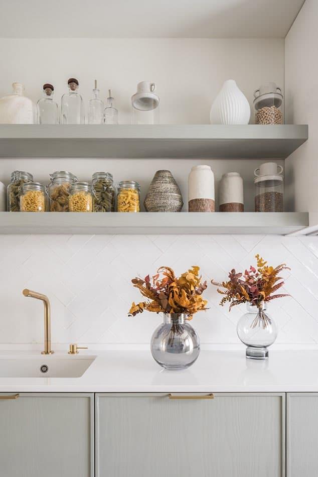 Estudio María Santos Reforma integral y decoración de vivienda minimalista Madrid cocina