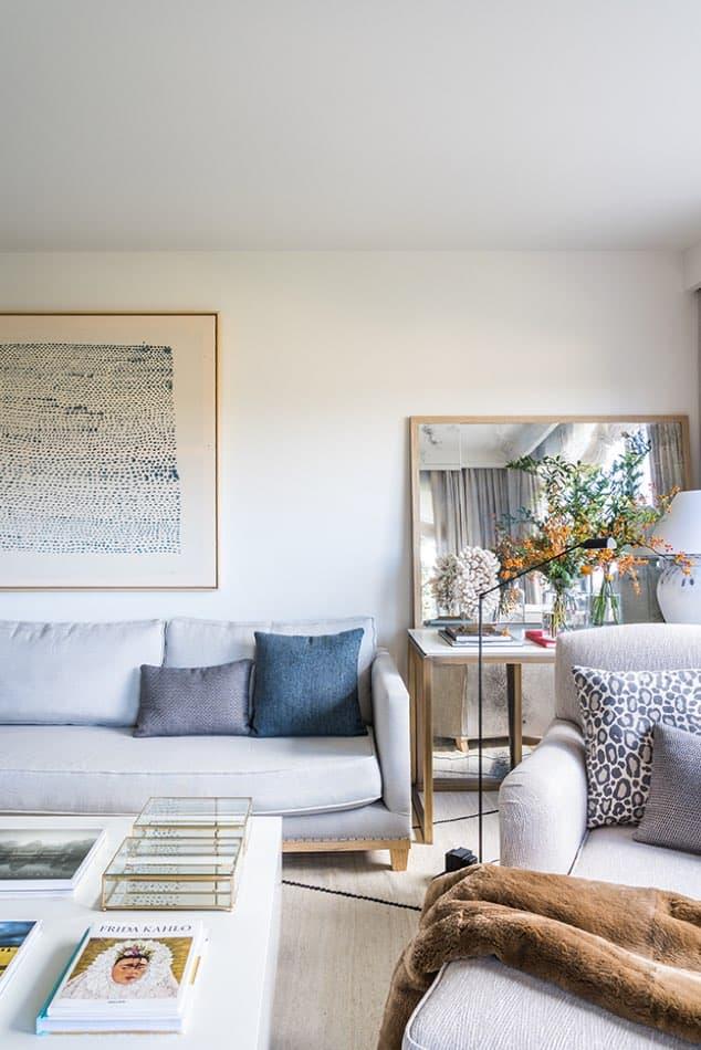 Estudio María Santos Reforma integral y decoración de vivienda minimalista Madrid salón