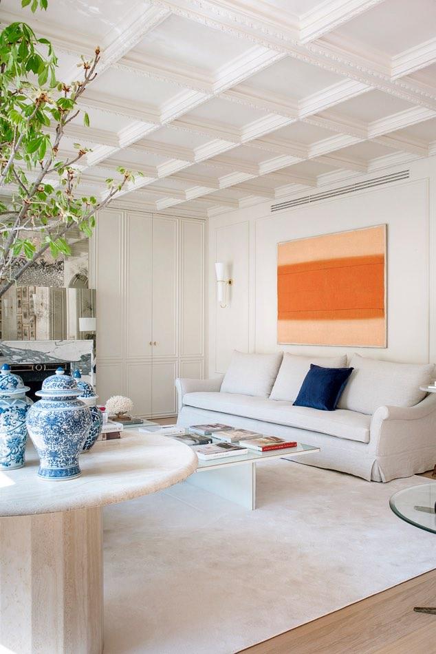 Estudio Maria Santos Reforma integral y decoración en Madrrid salón minimalista sofá
